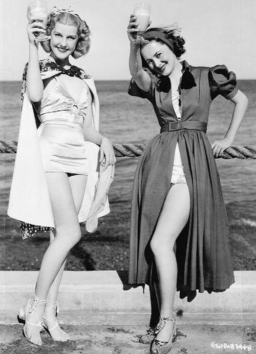 Anita Louise & Olivia de Havilland