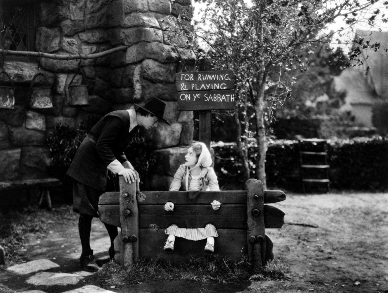 Lillian Gish with Lars Hanson.