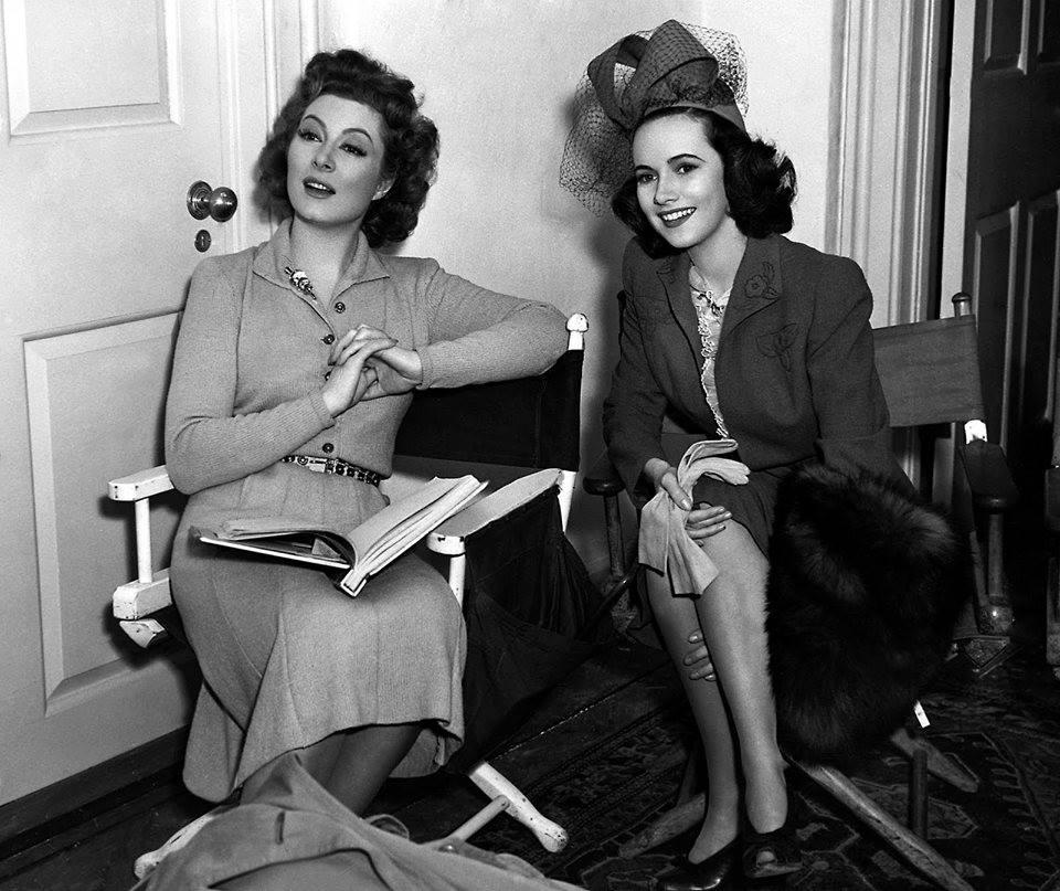 Greer Garson & Teresa Wright