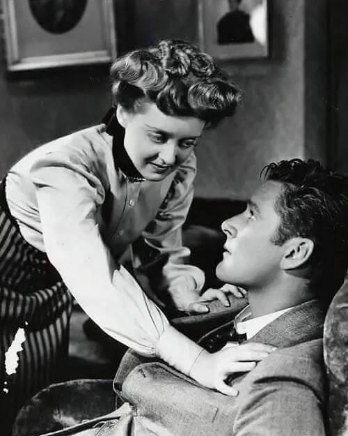 Bette Davis & Errol Flyn