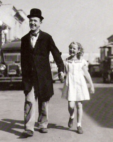Lois Laurel Hawes, daughter of Stan Laurel