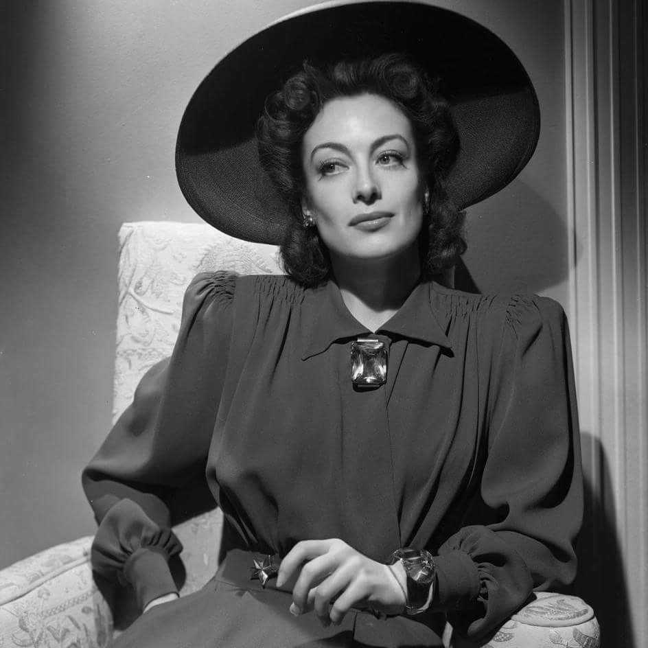 Joan Crawford -1943
