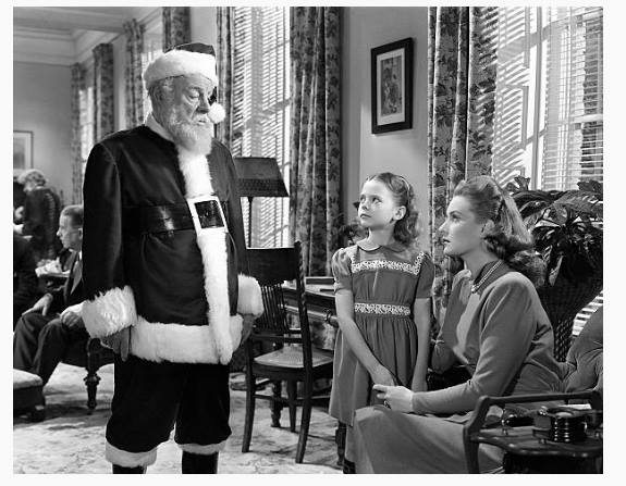 Edmund Gwenn as Kris Kringle, Natalie Wood as Susan Walker and Maureen O'Hara as Doris Walker in 'Miracle On 34th Street', 1947