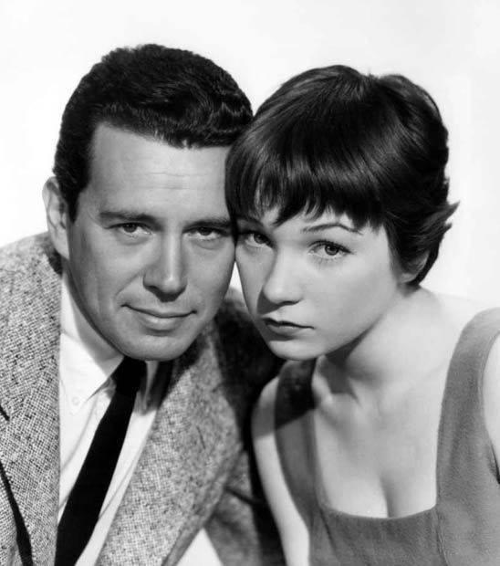 John Forsythe e Shirley MacLaine