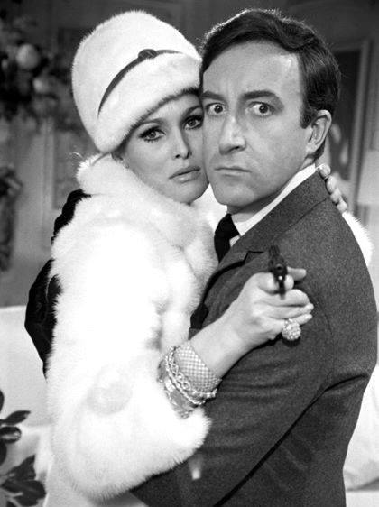 PETER SELLERS & URSULA ANDRESS