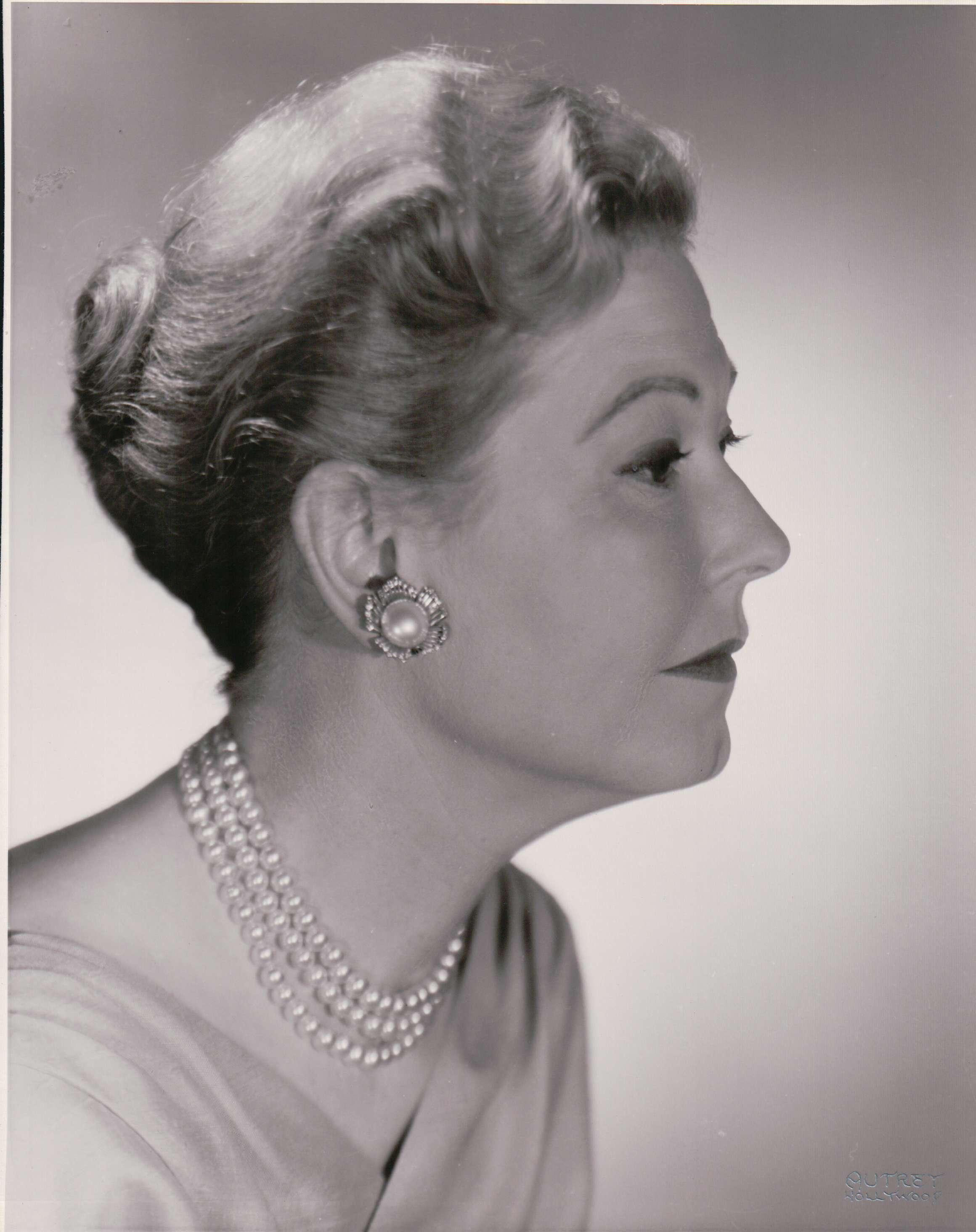 Josephine Hutchinson