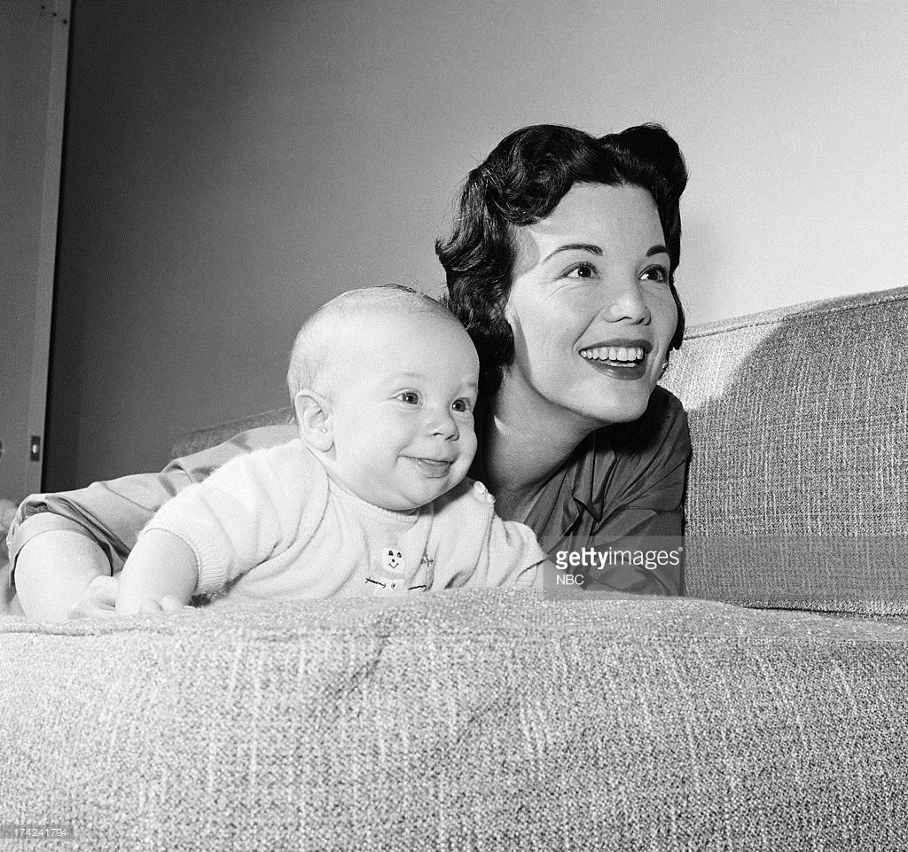 Doris Kenyon,Desiree Marie Velez Hot image Shirley Eaton (born 1937),Kim Director