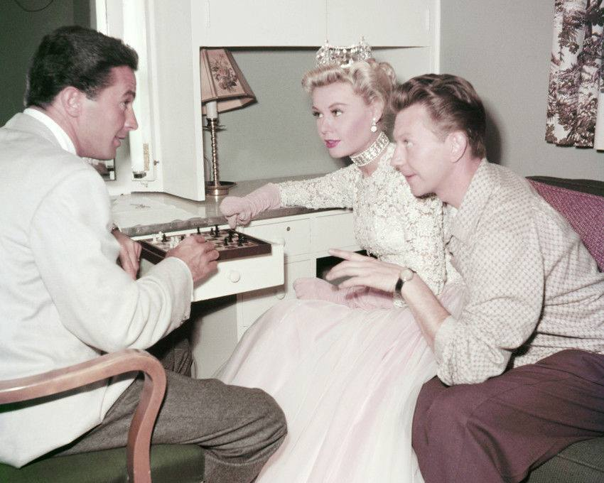 Dean Miller, Vera-Ellen, and Donald O'Connor playing chess