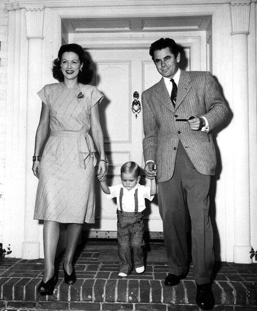 Eleanor Powell with her husband Glenn Ford and their son Peter in 1947)