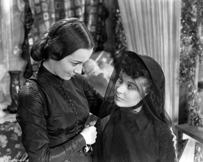 Olivia De Havilland & Vivien Leigh