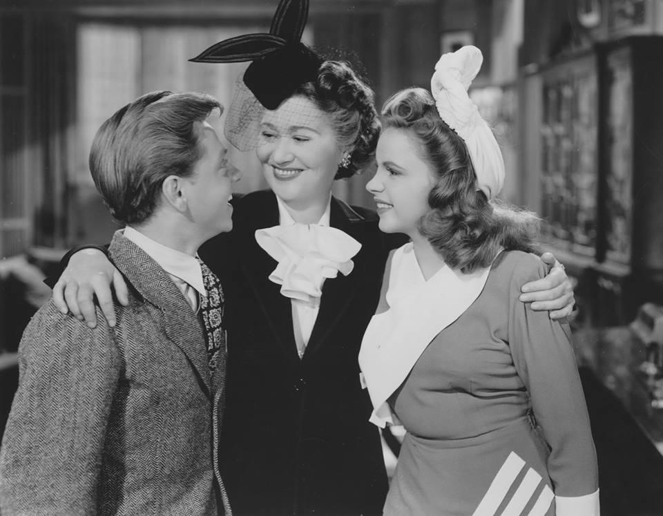 Fay Bainter, between Mickey Rooney and Judy Garland