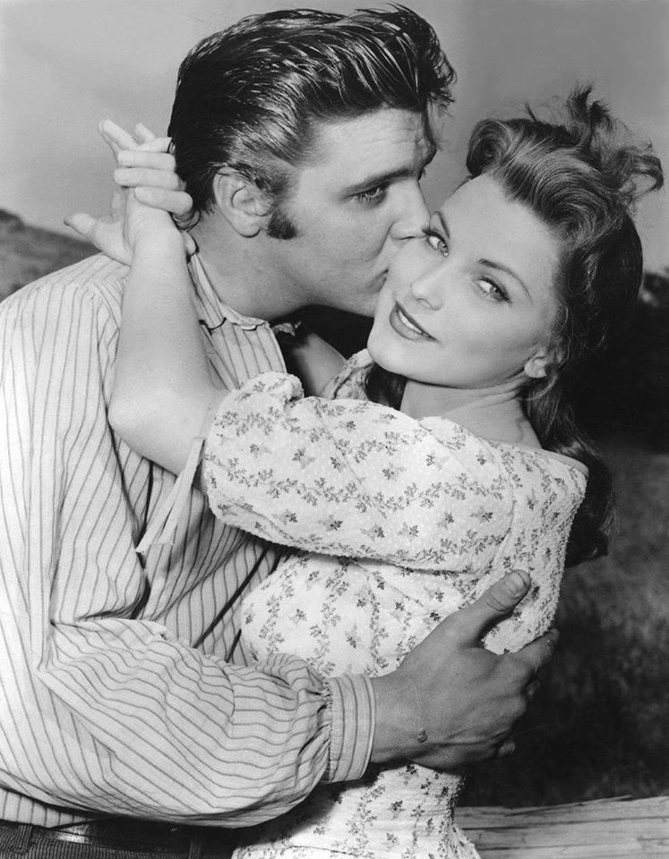 Elvis Presley e Debra Paget
