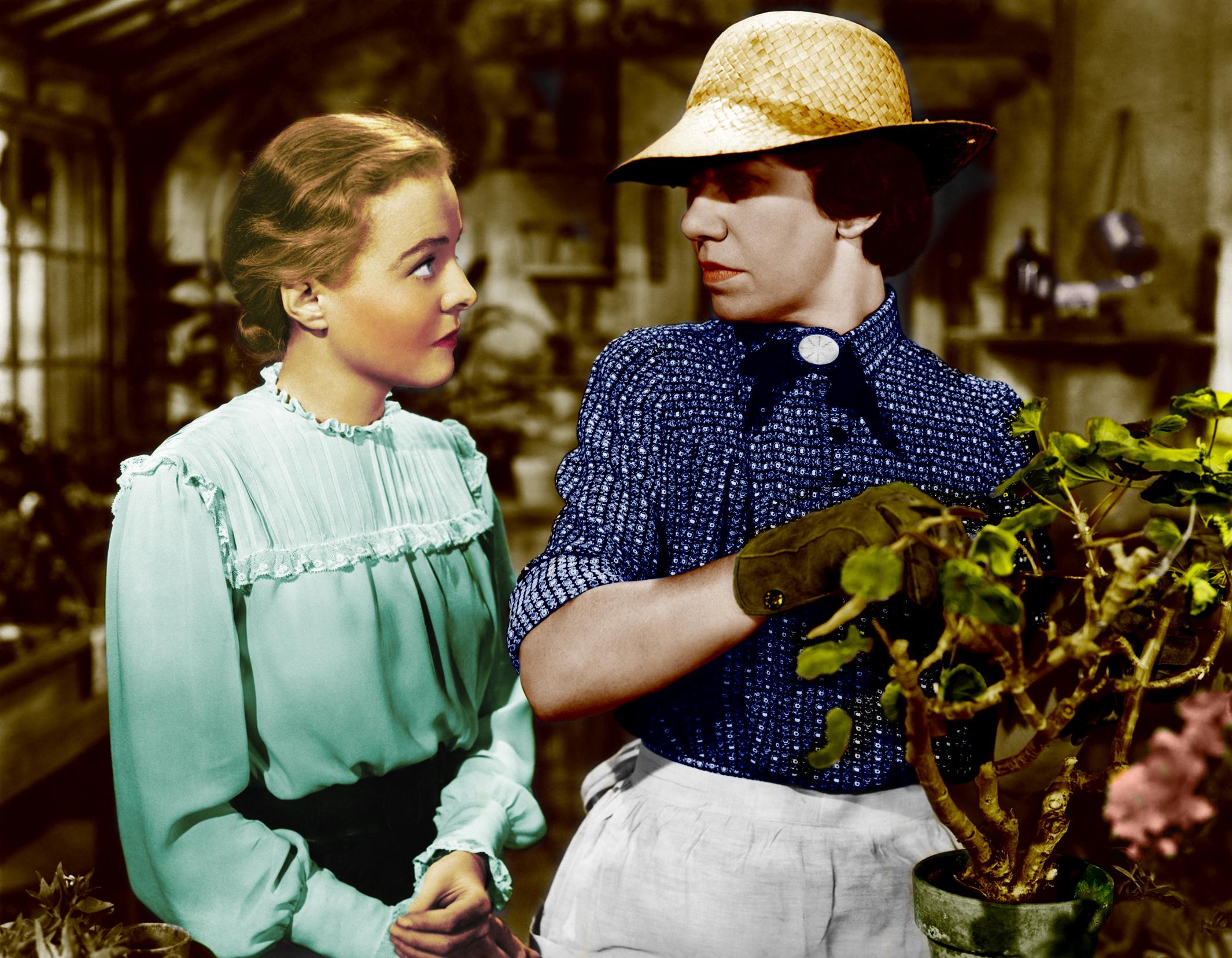 Jane Bryan With Flora Robson (R).