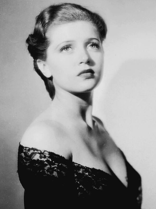 Young Lana Turner