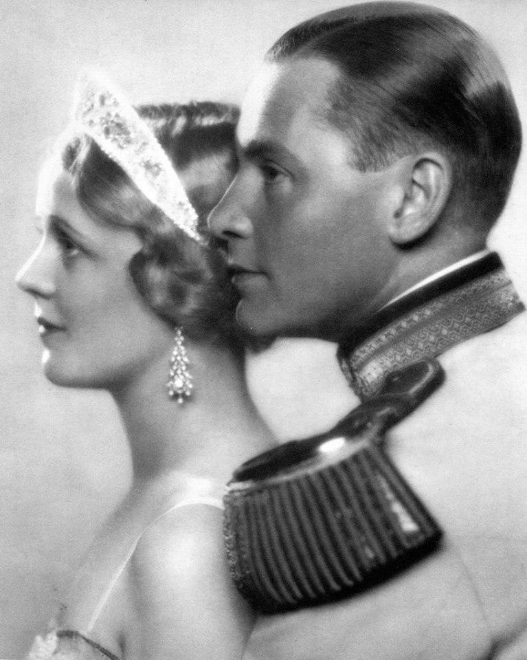 Edna Best Here she is with Herbert Marshall.