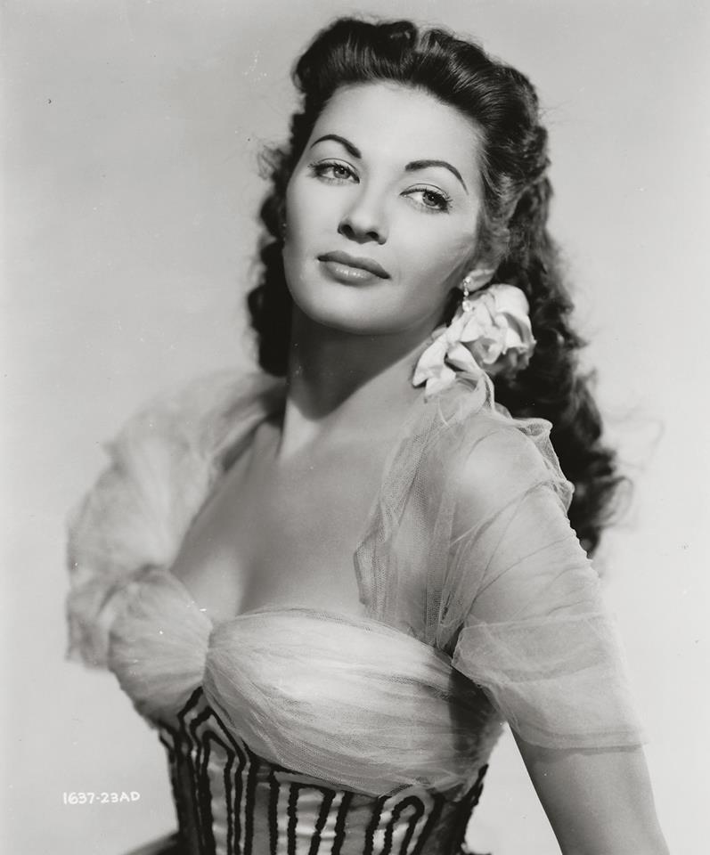 YVONNE DE CARLO (1922 ~ 2007)