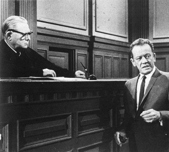 Erle Stanley Gardner as a judge and William Talman as District Attorney Hamilton Burger in the very last episode of Perry Mason