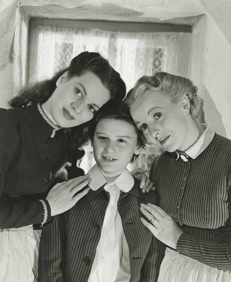 Maureen O'Hara, Roddy McDowall and Anna Lee