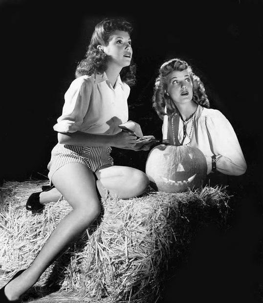 Nan Wynn & Anita Louise
