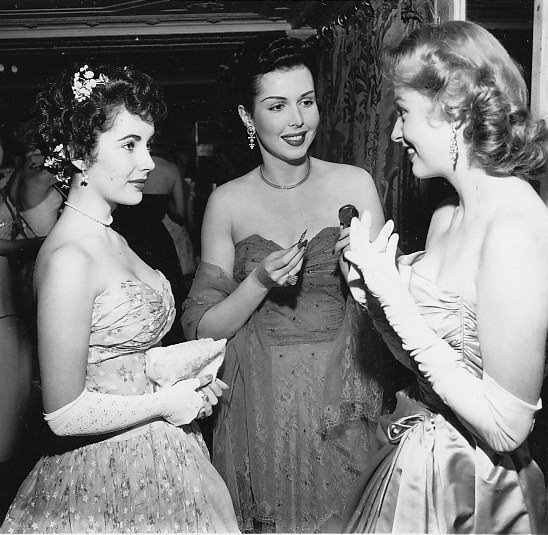 Elizabeth Taylor, Ann Miller e Arlene Dahl