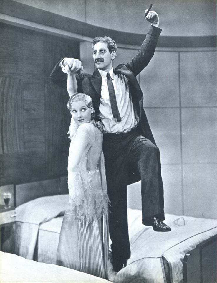Thelma Todd and Groucho Marx .