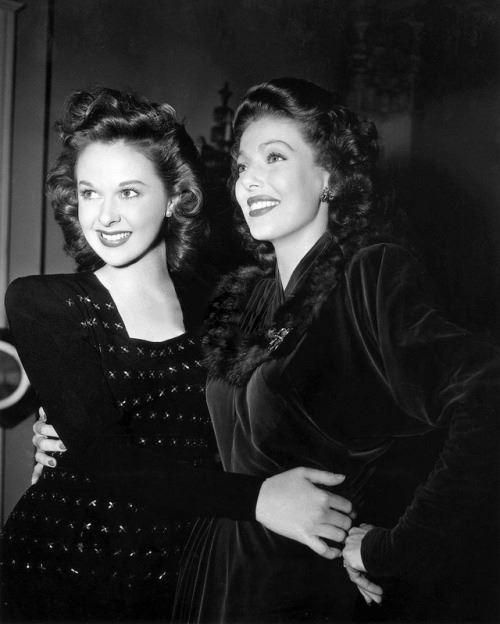 Susan Hayward e Loretta Young