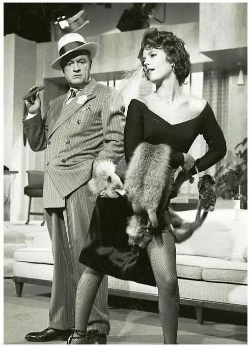 Natalie wood and bob hope.