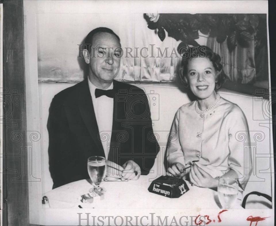 1960 Press Photo Journalist John Charles Daly and fiancee Virginia Warren
