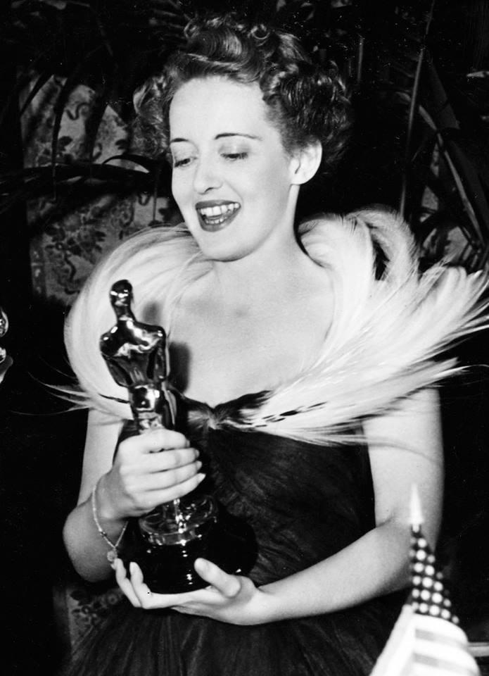 Bette Davis wins the Best Actress Oscar for
