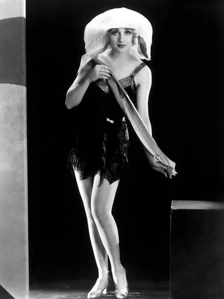 Carole Lombard.