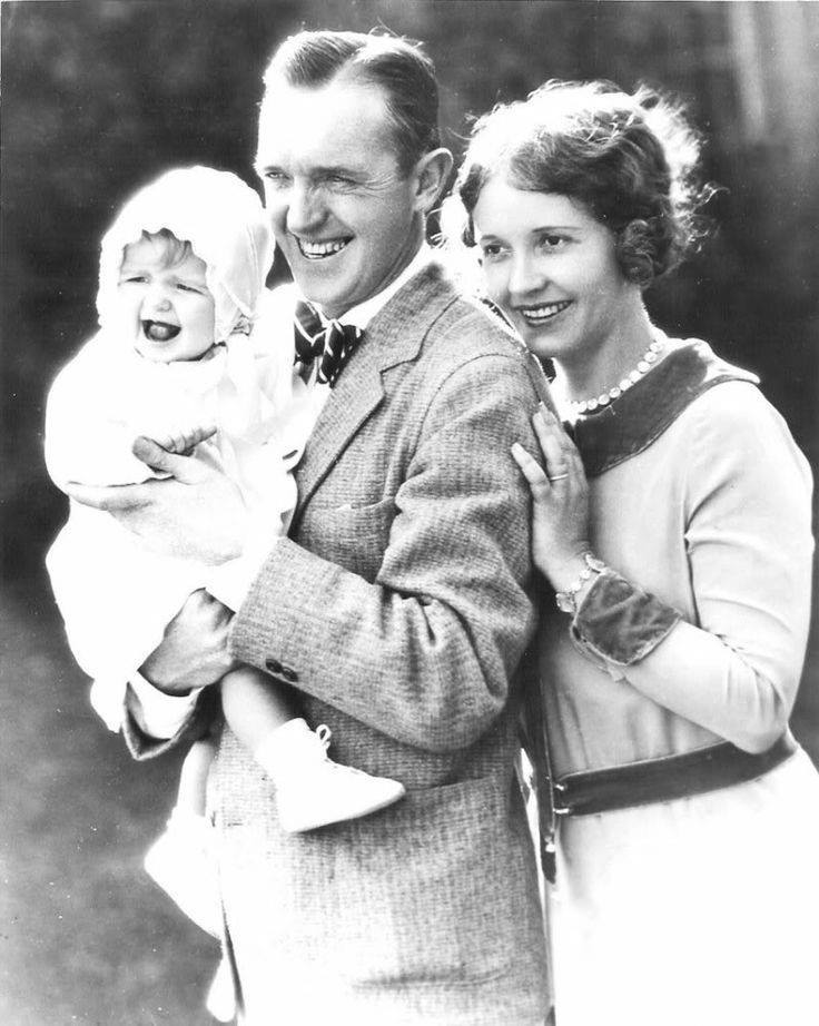 Stan Laurel with his second wife Lois Neilson and their daughter Lois - 1928