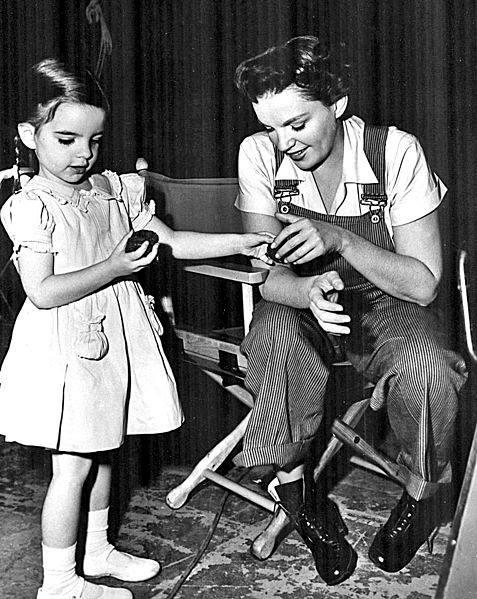 Judy Garland and her daughter Liza Minnelli