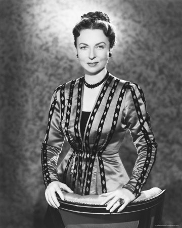 Agnes Moorehead as Mrs. Freddy Martin