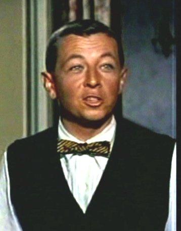 Gil Stratton as Freddie