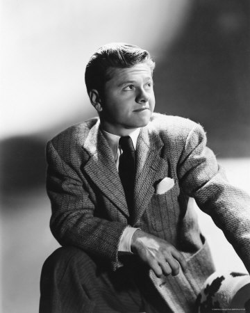 Mickey Rooney as Shorty Bell