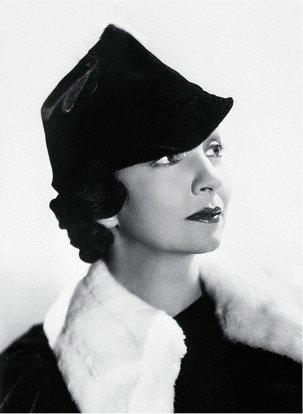 Joan Blaine as Joan Barrett