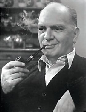 Santos Ortega as Edward Gurran