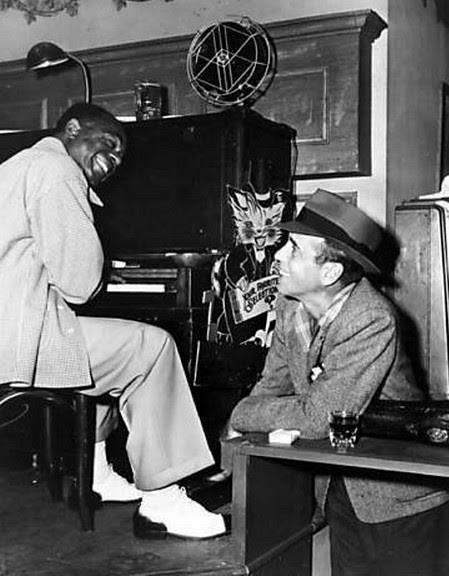 Dooley Wilson and Humphrey Bogart on the set of 'Casablanca