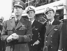 Fred MacMurray with Errol Flynn and Ralph Bellamy in Dive Bomber (1941)