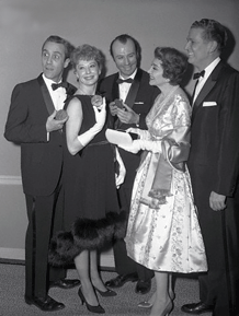 Bud Collyer (right) at the 1959 Tony awards with Jason Robards, Jr., Gwen Verdon, Richard Kiley and Claudette Colbert