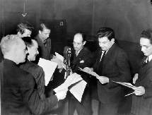 Jay Jostyn (background) live on Mr. District Attorney with James Van Dyke, Luis Van Rooten, Al Scott, who supplies sound effects, Jerry Lesser and Stefan Schnabel from 1939