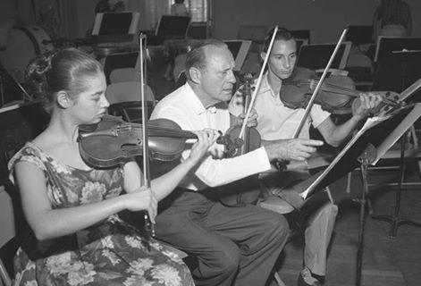 BENNY REHEARSES WITH JUNIOR SYMPHONY STARS 1959