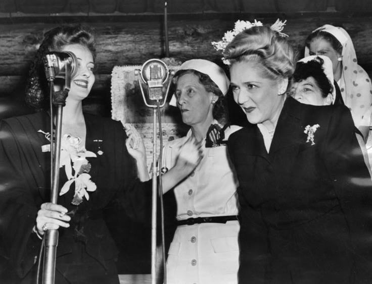 Bette Davis and Mary Pickford at the Hollywood Canteen, 1943