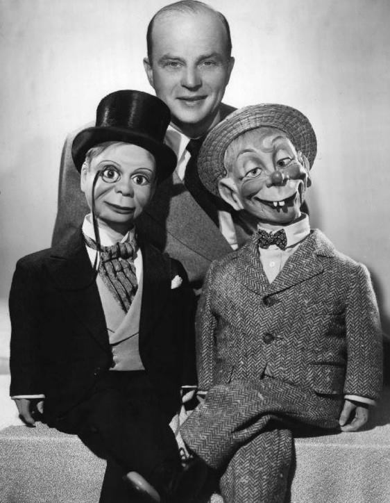 Edgar Bergen with Charlie McCarthy (left) and Mortimer Snerd (right)