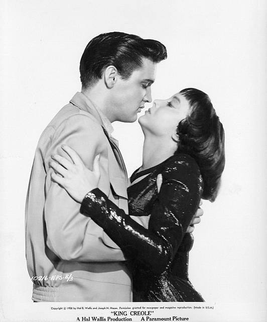 Elvis Presley & Carolyn Jones