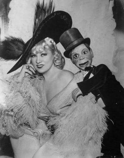 Fibber McGee & Molly, Mae west