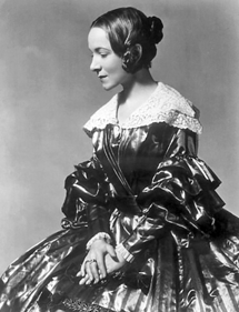 Helen Hayes as a young Victoria Regina in the Hanna Theatre production of the same name (1937)