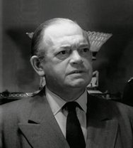 Ken Christy as Police Chief Gates