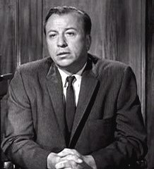 Ken Lynch as Lt. Matt King