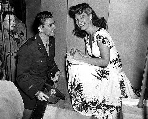 Lieutenant Ronald Reagan, Dinah Shore at the Eddie Cantor radio broadcast at the Persidio in San Francisco, 5/20/42